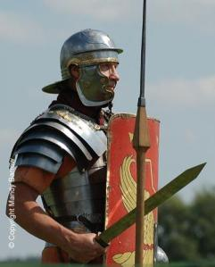 Римский солдат с мечом