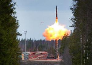 Старт балистической ракеты