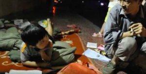 Бездомный воспитал брошенную девочку